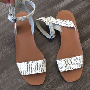 NWOT Madewell leather ankle wrap sandal